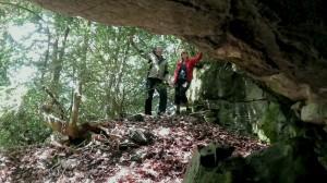 le porche de la stèle
